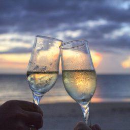 【夜は大人の一休】ジャズとワインと桜とヘッドマッサージ